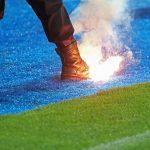 FK Željezničar - FK Sarajevo, Navijači, Baklja
